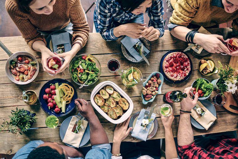 Cómo comer saludable fuera de casa? - Revista Vive